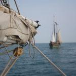 """Le voilier """"Jusqu'au bout"""" depuis la Maria Gilberte - Armada - 2013"""